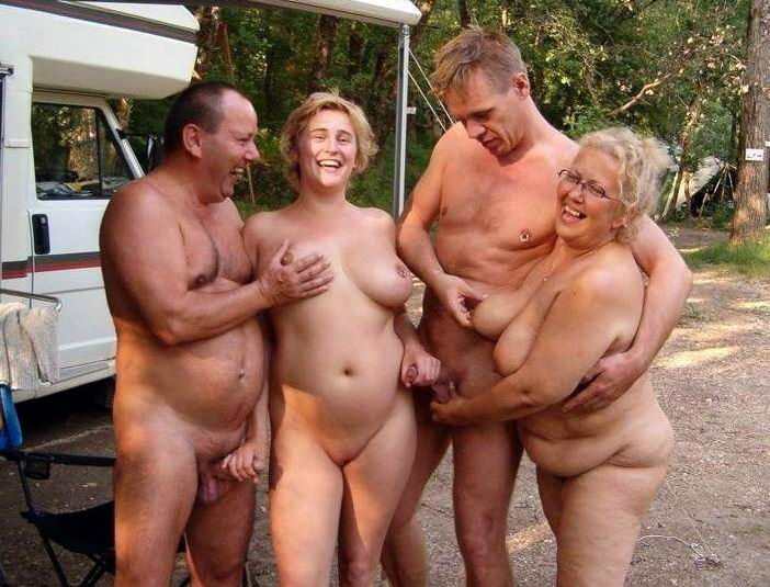 screw my wife party nackt bei der hausarbeit