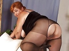 Mature housewife slut in pantyhose