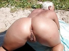 British first time granny shows her lovely ass