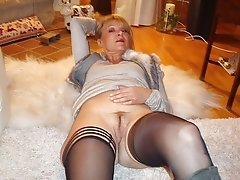 Amateur French granny in stockings