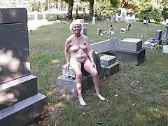 Granny wants to suck cock