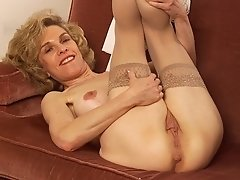 free nude granny stockings pictures
