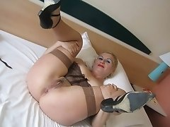Justine a old mature granny spreading here for homemade porn