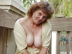 Submitted pictures of the hottest moms and grannies