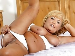 Naughty and tempty granny ready for use