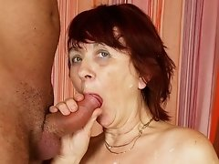 This mature slut sure loves that cock