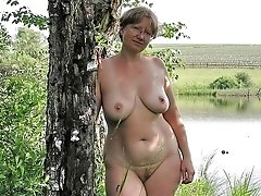 Granny minni showing outdoors